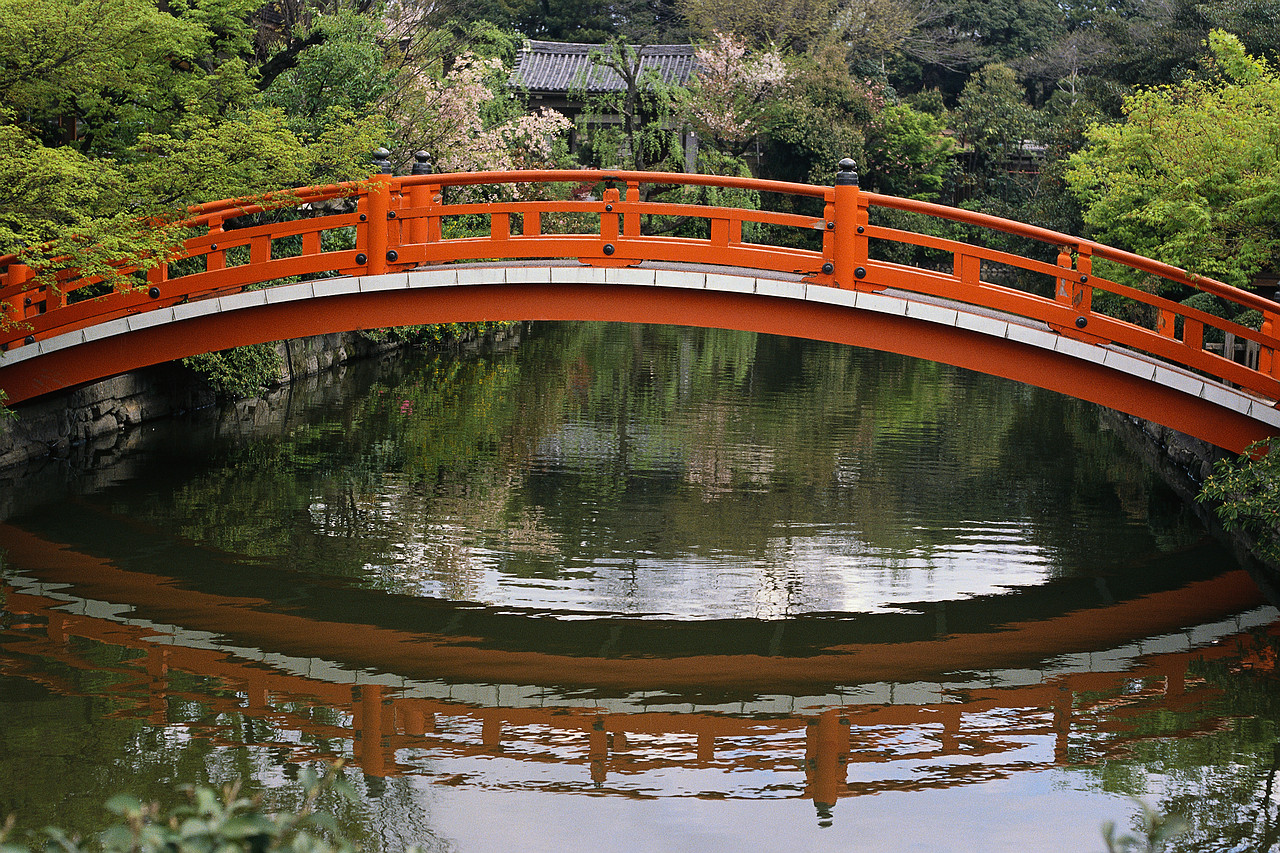 More japanese garden images for you to enjoy japanese for Japanese garden bridge